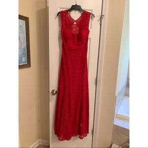 Betsy & Adam Red Lace Formal Gown keyhole back EUC